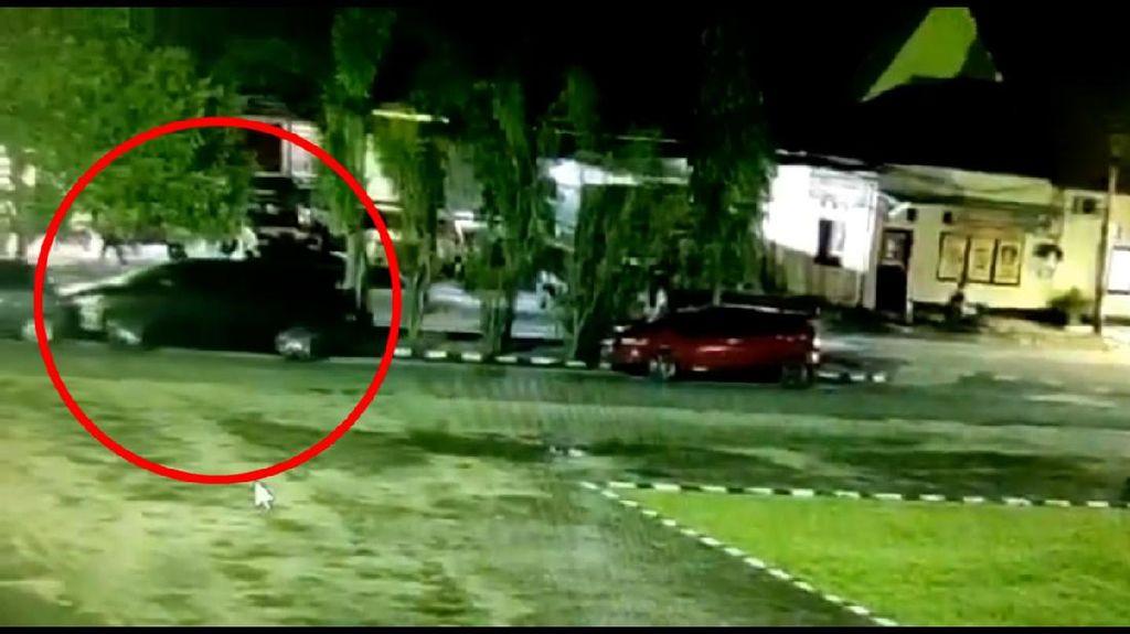 Viral Mobil di Pinrang Gerak Sendiri, Bayangan Putih Jadi Sorotan