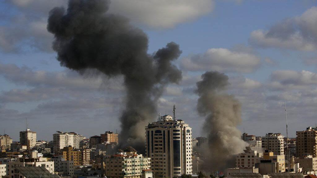 Postingan Sedih Striker Palestina yang Rumahnya Hancur Kena Bom
