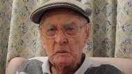 Makan Otak Ayam Jadi Rahasia Panjang Umur Kakek 111 Tahun
