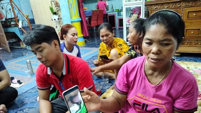 Keluarga pasien meninggal usai persalinan di Asahan (Perdana-detikcom)