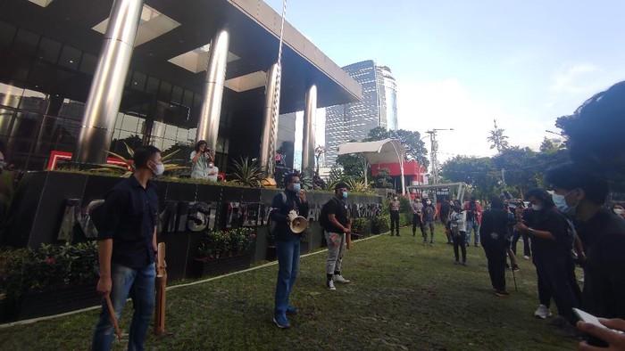 Koalisi Antikorupsi gelar aksi depan Gedung KPK (Foto: Azhar/detikcom)