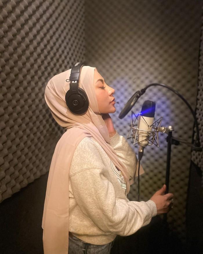 Penyanyi Liza Aditya