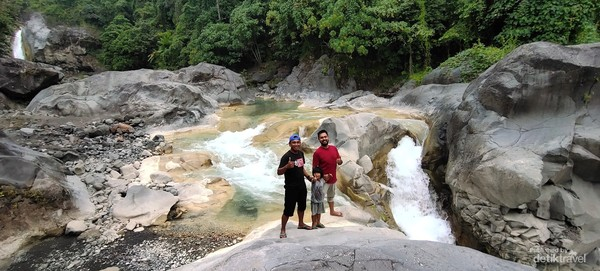 Mengunjungi Air Terjun Mangku Sakti ditemani penduduk Sembalun, Lombok