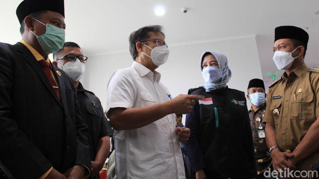 Menkes Sebut Vaksinasi Lansia di Jabar Masih Rendah Dibanding Provinsi Lain