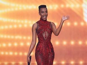 Memesona, Zozibini Tunzi Pakai Gaun Tex Saverio di Miss Universe 2020