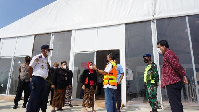Bupati Purbalingga Dyah Hayuning Pratiwi cek pembangun terminal Bandara Jenderal Besar Soedirman