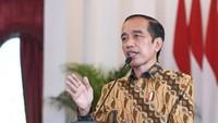 Jokowi Minta Vaksinasi COVID-19 di Stasiun-Pelabuhan Disegerakan