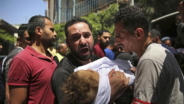 Militer Israel terus melancarkan serangan terhadap Palestina. Ratusan warga Palestina tewas.
