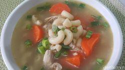 Resep Sop Ayam Makaroni Sederhana yang Gurih Enak Buat Makan Siang