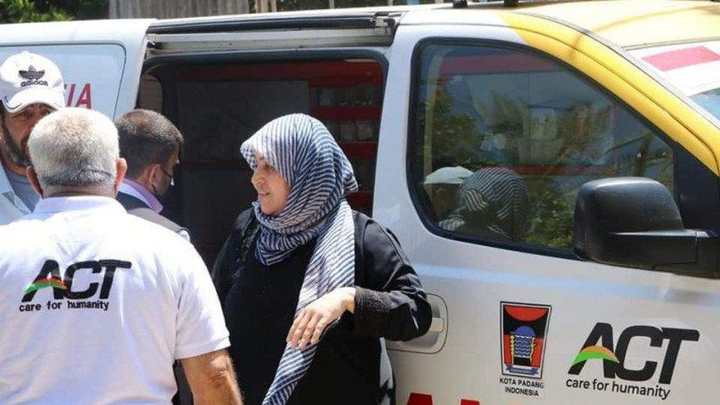 Asal Muasal Ambulans Berlogo Pemkot Padang Bantu Korban Serangan Israel