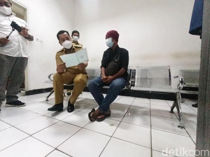 Wabup Karawang wajibkan ke pendatang baru kantongi surat bebas Corona