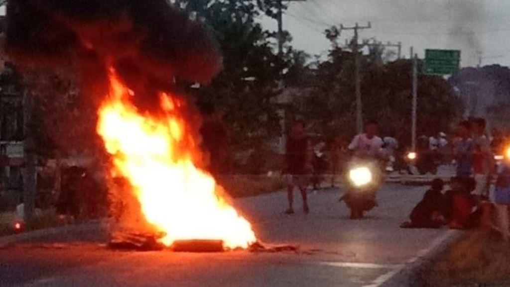 Warga Musi Rawas Utara Blokade Jalinsum Imbas Larangan Pesta Malam