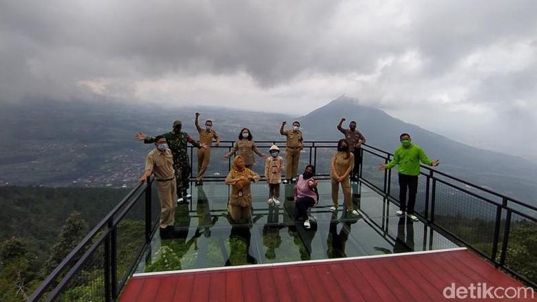 Awang-awang di Gunung Telomoyo