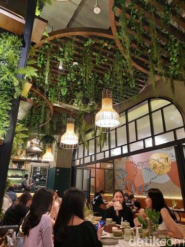 Botanica Dining