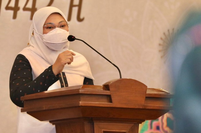 Menteri Ketenagakerjaan (Menaker) RI Ida Fauziyah menggelar acara Halalbihalal bersama jajaran Kementerian Ketenagakerjaan (Kemnaker) secara virtual Senin (17/5).