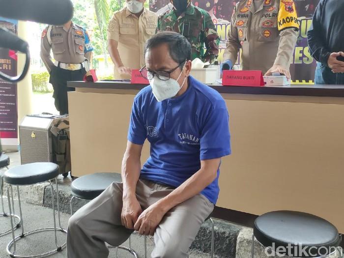 Seorang penumpang membawa surat tes Corona palsu di Bandara Semarang ditangkap, Rabu (19/5/2021).