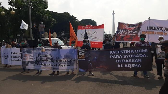 Aksi massa ormas islam mendukung Palestina atas serangan Israel, Kamis (20/5/2021).