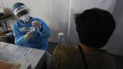 Setelah sekian lama dinantikan dunia usaha, vaksin gotong royong untuk kalangan swasta sudah dapat dilaksanakan vaksinasinya.