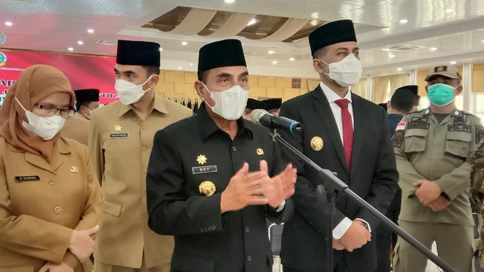 Gubernur Sumut (Gubsu) Edy Rahmayadi buka suara terkait bentrokan yang terjadi antara warga dan sekuriti perusahaan di Kabupaten Toba.