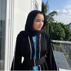Hijabers Cantik Blasteran Viral Ungkap Kisah Hijrah dan Hapus Tato