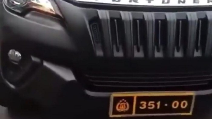 Mobil Fortuner berpelat dinas Polri dicegat di Jakarta Timur