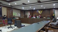 Hakim Tunda Pembacaan Putusan Gugatan Polusi Udara