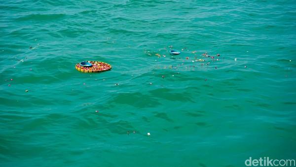 Masyarakat lain dihimbau untuk tidak mengikuti larungan atau sedekah laut.(Mochamad Saifudin/detikcom)