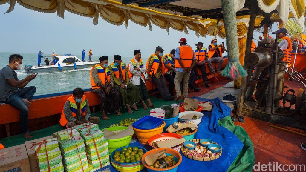 Tradisi Sedekah Laut di Demak
