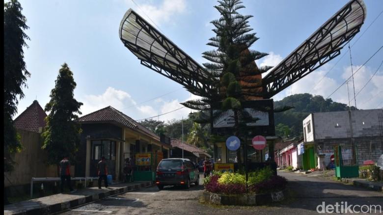 Wisata Linggoasri di Pekalongan, Jateng tutup pas puncak Syawalan.