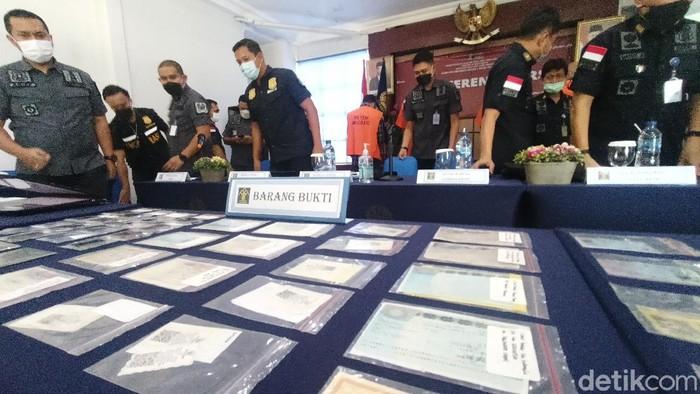 6 WNA asal India diamankan imigrasi Karawang karena pemalsuan dokumen