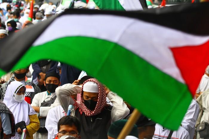Israel dan Hamas sepakat untuk melakukan gencatan senjata. Meski telah melakukan gencatan senjata, aksi bela Palestina masih bergaung di sejumlah daerah RI.
