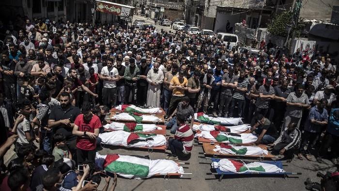 Israel dan Hamas mengumumkan gencatan senjata. Gencatan senjata dilakukan demi mengakhiri pertempuran selama kurang lebih 11 hari.