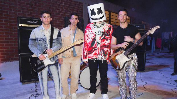 Jonas Brothers dan Marshmello
