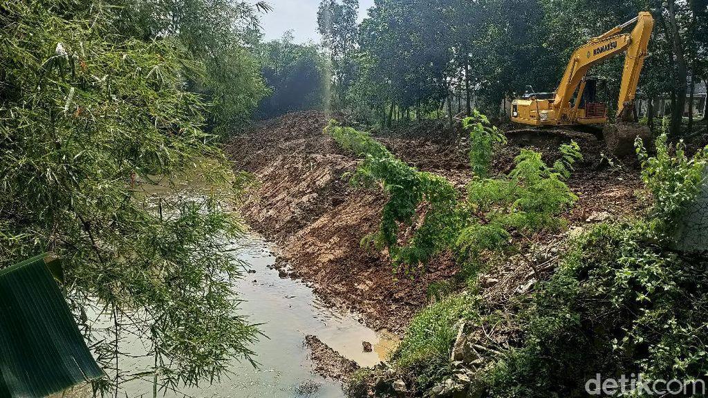 Normalisasi Kali Cikalapa Antisipasi Banjir di Wadas Karawang