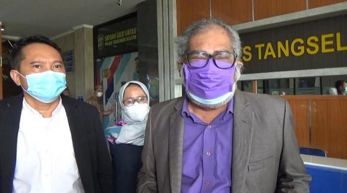 Ketua Komnas PA Arist Merdeka Sirait menemui anak korban penyiksaan ayah di Tangsel