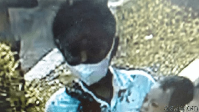 Seorang asisten rumah tangga (ART) melakukan penculikan terhadap bayi usia 10 bulan, Daffa Hanif Hamizan. Aksi penculikan itu terekam CCTV.