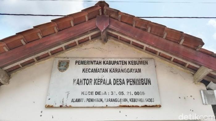 Desa Penimbun di Kebumen ini punya pantangan jualan nasi. Di desa ini juga ada petilasan era wali syiar Islam yang konon akan dibangun masjid tapi batal.