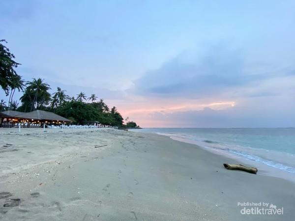 Panorama bibir pantai