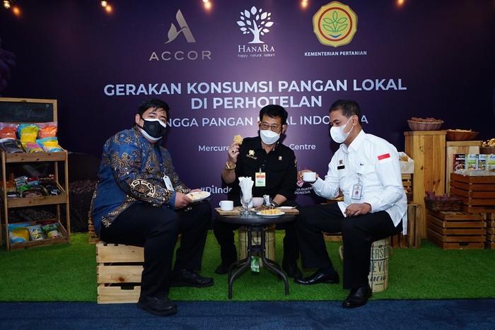Kementerian Pertanian (Kementan) menjajaki kerja sama dengan perusahaan Hotel Accor Indonesia-Malaysia. Kerja sama meliputi gerakan konsumsi pangan lokal sebagai upaya pemerintah dan semua pihak dalam menghidupkan ekonomi melalui sektor konsumsi pangan lokal.