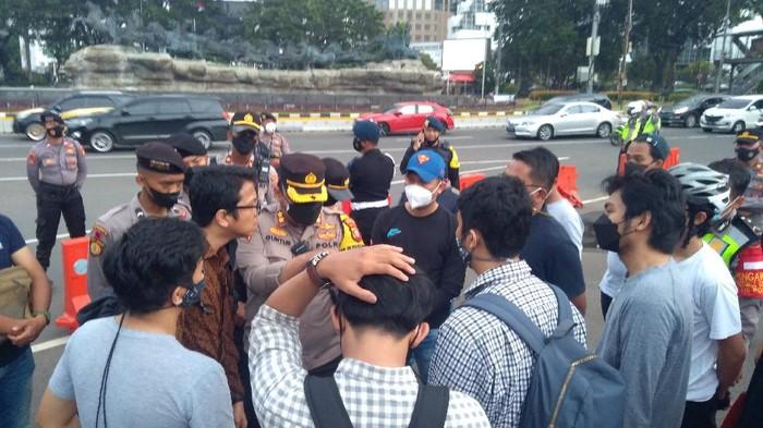 Puluhan Pesepeda Dilarang ke Istana untuk Peringati 23 Tahun Reformasi