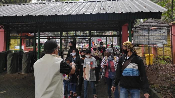 Taman Margasatwa Ragunan mulai ramai dikunjungi warga