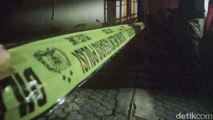 TKP Kantor BPN Klaten dipasangi garis polisi, Sabtu (22/5/2021)