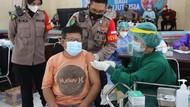 Kapolda Kalteng Jadi Kapolda Pertama Cek Vaksinasi Serentak di 14 Wilayah
