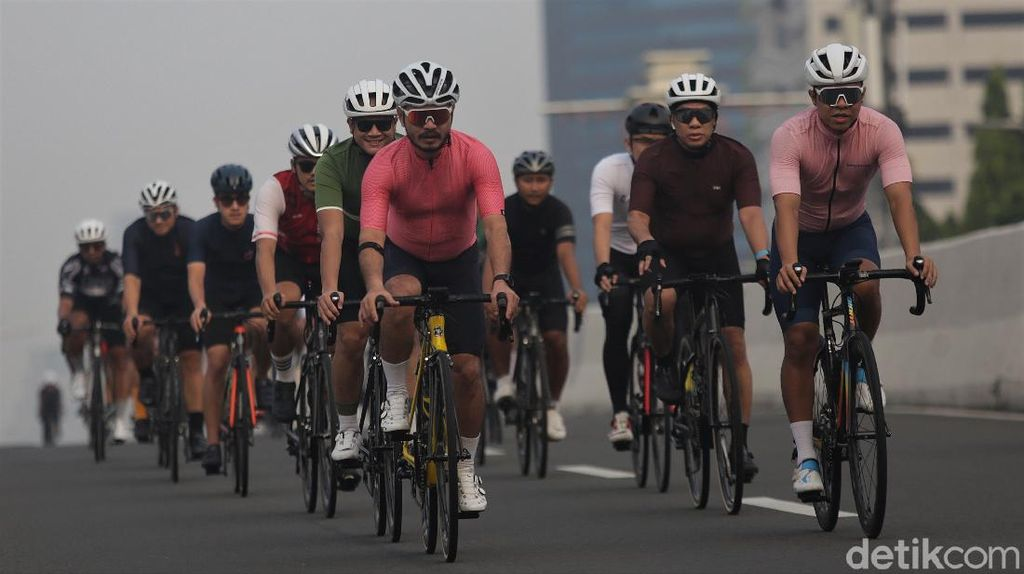 Bike to Work Bakal Gelar Aksi Protes JLNT Jadi Jalur Road Bike