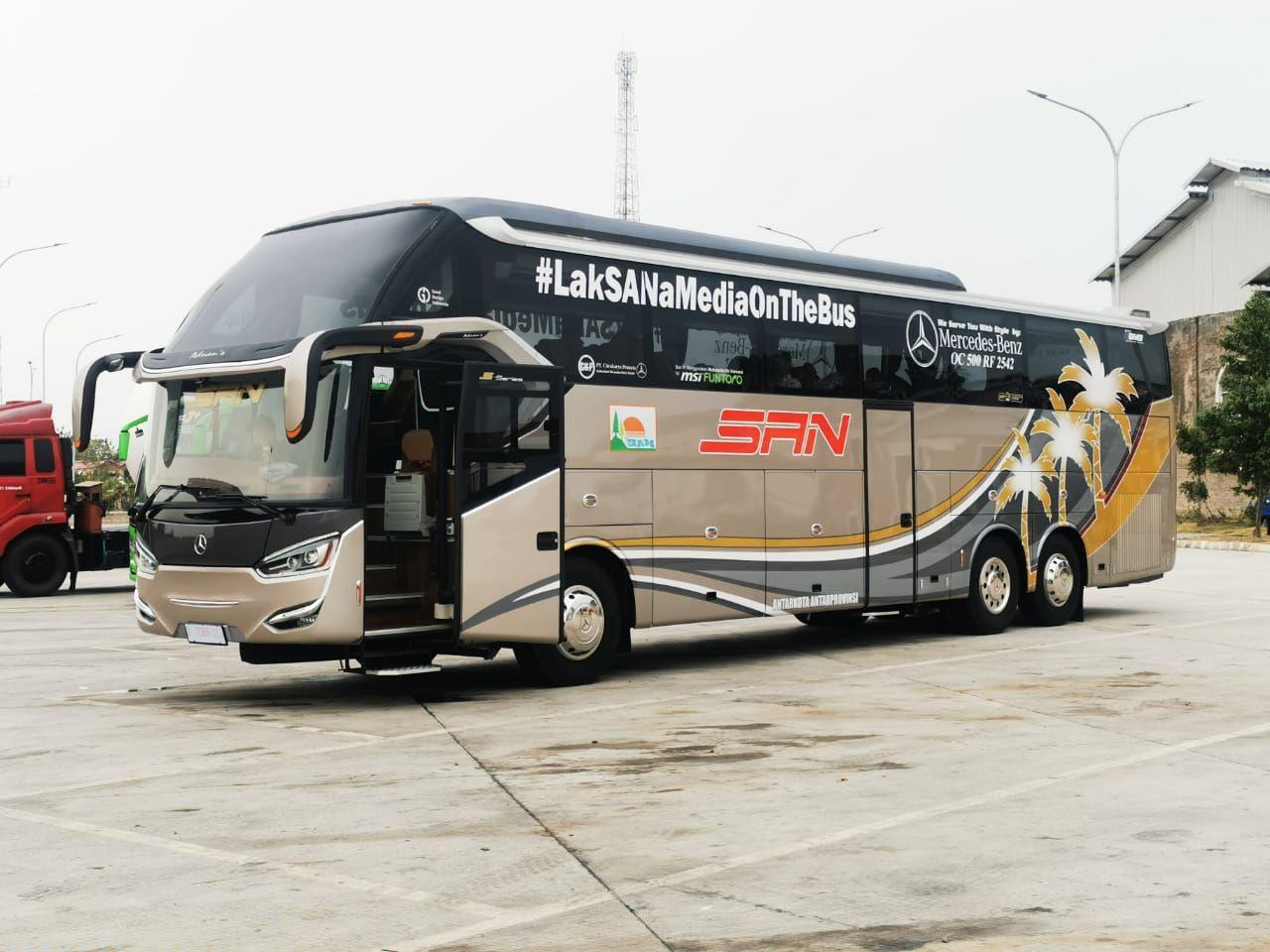 Bus tronton PO SAN buatan karoseri Laksana
