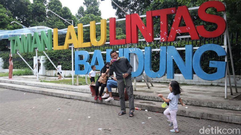 Ditutup Sementara, Begini Suasana di Taman Lalu Lintas Bandung