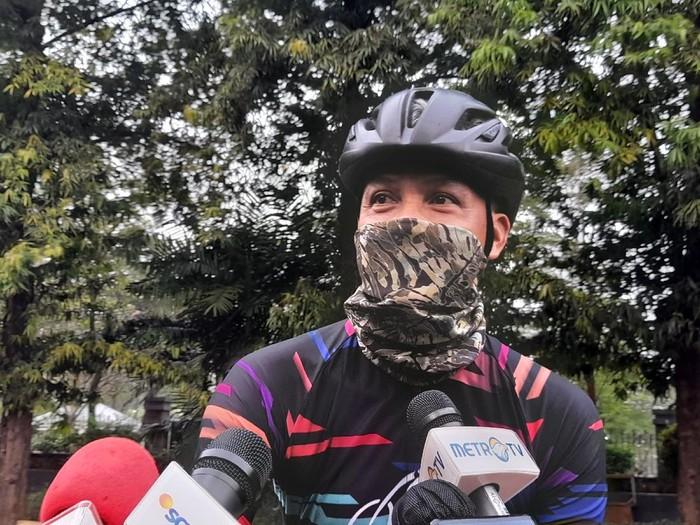 Gubernur Jawa Tengah Ganjar Pranowo Ikut Mencoba JLNT Kampung Melayu-Tanah Abang