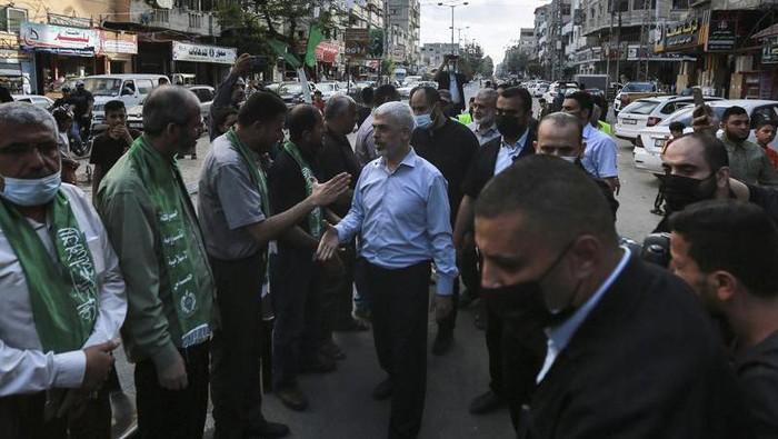 Hamas melakukan pawai militer usai gencatan senjata diumumkan
