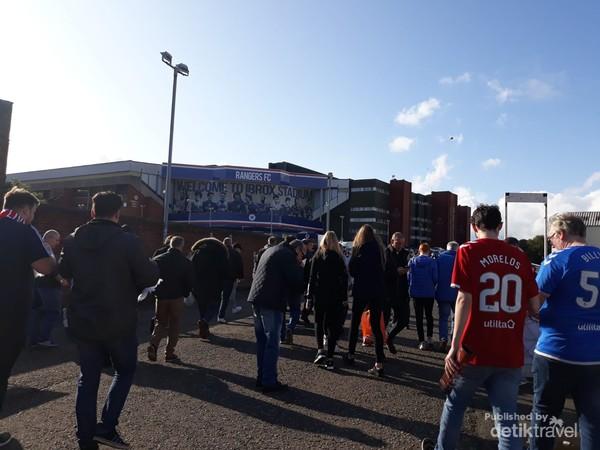 Beberapa bulan sebelum pandemi melanda dunia Rangers Legends menjamu Liverpool Legends di Glasgow