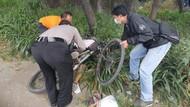 Pesepeda di Sidoarjo Terjatuh Lalu Meninggal, Diduga Sakit Jantung